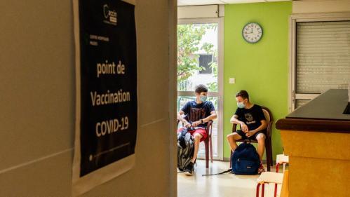Covid-19 : où en est la campagne de vaccination des 12-17 ans dans les collèges et les lycées ?