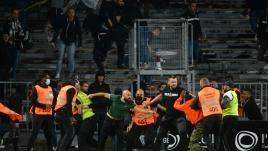 Image de couverture - Ligue 1 : violences aux quatre coins de la France, chronologie des incidents qui émaillent le championnat depuis le début de saison