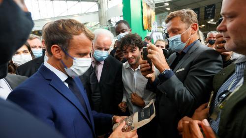 VIDEO. Emmanuel Macron visé par un jet de projectile à Lyon, un homme en garde à vue