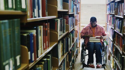 """TEMOIGNAGES. Des étudiants handicapés racontent les discriminations à l'université : """"Je passe plus de temps à me battre pour mes droits"""""""
