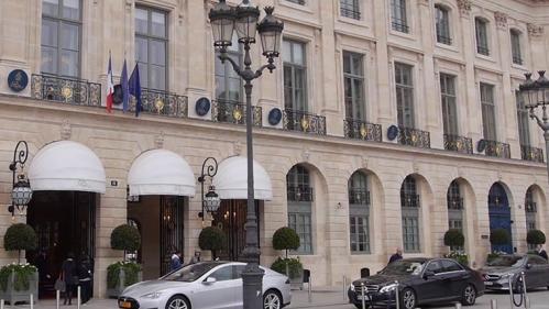Le plus gros gain de l'Euromillions, 220 millions d'euros, a été remporté vendredi 15 octobre, par un Français. Comment dépenser une telle somme d'argent ?