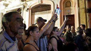 Des Cubains participent à la désignation des candidats aux élections municipales, à la Havane, en septembre 2017. (YAMIL LAGE / AFP)