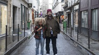 Lionel Nicolas, DG de Patrizia France, et Sakina M'Sa, la créatrice de Front de mode, dans le quartier du Vertbois à Paris, en juin 2018 (PEOPLE OF VERTBOIS.)