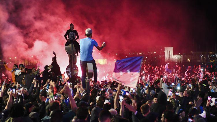Le Vieux-Port de Marseille a été le théâtre d'affrontements en marge de la demi-finale PSG-Leipzig (ANNE-CHRISTINE POUJOULAT / AFP)