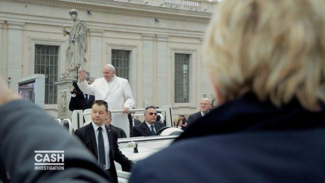 """""""Cash Investigation"""". Pédophilie : Elise Lucet à la rencontre du pape"""