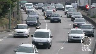 Les comportements à risques sont nombreux sur les routes françaises. (FRANCE 2)