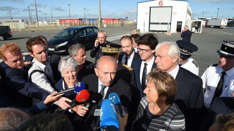 Gérard Collomb, ministre de l'Intérieur, à Calais (Pas-de-Calais), le 23 juin 2017. (MAXPPP)