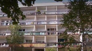 Un immeuble HLM en région parisienne. (FRANCE 2)