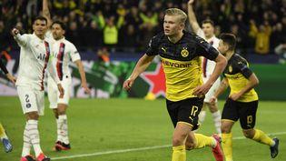 L'avant-centre norvégien Erling Haaland célèbre son but contre Paris, mardi 18 février 2020 à Dortmund (Allemagne). (INA FASSBENDER / AFP)