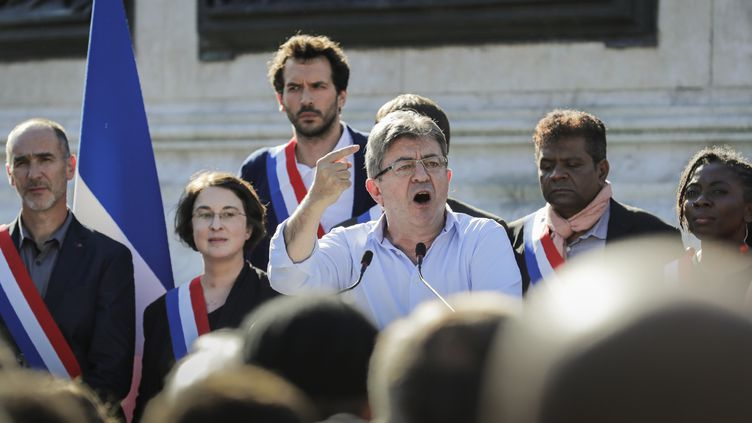 Le député de La France insoumise, Jean-Luc Mélenchon, le 3 juillet 2017 place de la République à Paris. (THOMAS SAMSON / AFP)