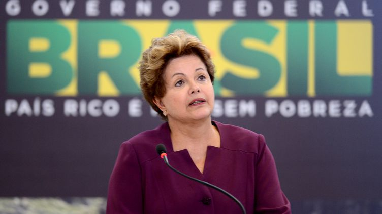La présidente brésilienne, Dilma Rousseff, prononce un discours à Brasilia, le 18 juin 2013. (EVARISTO SA / AFP)