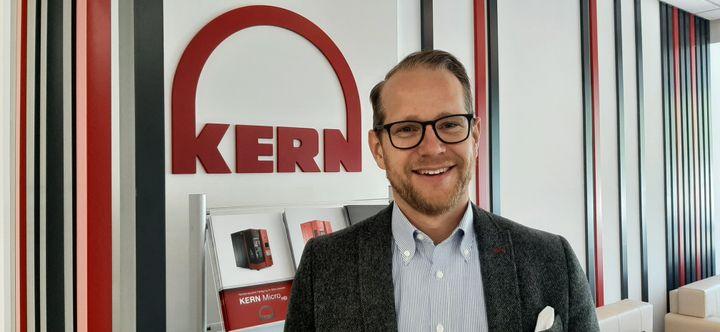 Simon Eickholt, patron de l'entreprise Kern à Eschenlohe (Bavière). (SEBASTIEN BAER / FRANCE-INFO)