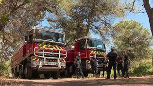 Incendies : vigilance rouge dans les massifs forestiers du sud de la France (France 2)