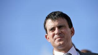 Le ministre de l'Intérieur, Manuel Valls, à La Trinité (Martinique), le 17 octobre 2013. (MIGUEL MEDINA / AFP)