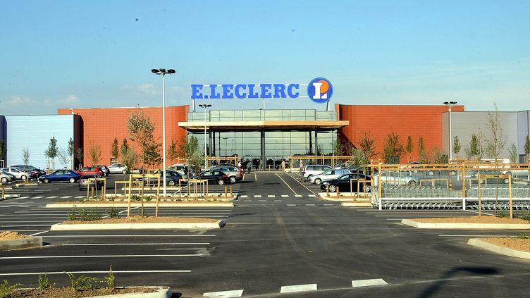 Le magasin E.Leclerc de Seclin (Nord), le 1er septembre 2009, où a été vendu du lait infantile potentiellement contaminé malgré un rappel en vigueur. (MAXPPP)