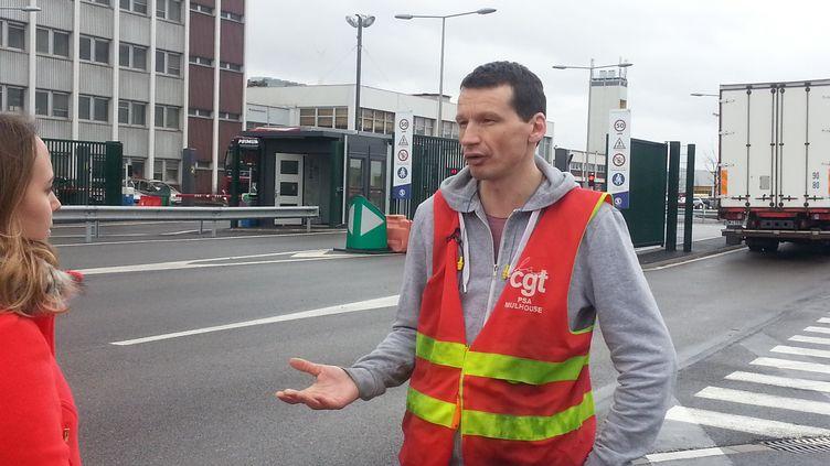 Julien Wostyn, le délégué central de la CGT chez PSA Mulhouse. (GUILLAUME CHHUM / FRANCE-BLEU ALSACE (+ FB ELSASS))