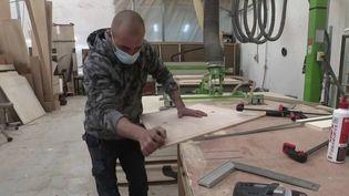 Travailleur dans une PME. (FRANCE 2)