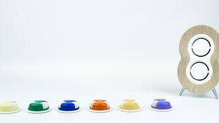 Le diffuseur AromaCare avec ses capsules de couleurs liées aux essences. (Aroma Thérapeutics)