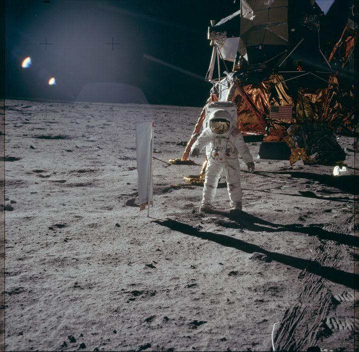 Un astronaute américain, le 20 juillet 1969, sur la Lune. (PROJECT APOLLO ARCHIVE / FLICKR)