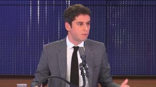 Gabriel Attal, porte-parole du gouvernement, invité de franceinfo vendredi 15 janvier 2021.  (FRANCEINFO / RADIO FRANCE)