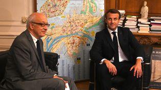 Emmanuel Macron rencontre le maire de Rouen, Yvon Robert, à Rouen (Seine-Maritime), le 30 octobre 2019. (DOMINIQUE FAGET / AFP)