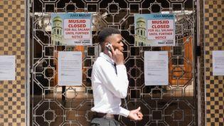 """La plus vieille mosquée de l'hémisphère sud, la """"Juma Musjid"""" située à Durban, a fermé ses portes pour contrer la propagation du virus en Afrique du Sud. (RAJESH JANTILAL / AFP)"""