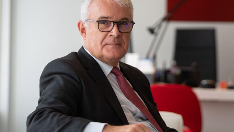 Le procureur de la République financier, Jean-François Bohnert, dans son bureau, le 17 octobre 2019, à Paris. (ERIC FEFERBERG / AFP)