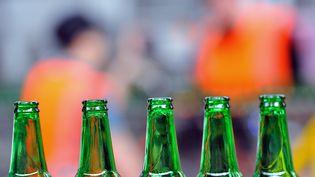 Depuis le 1er janvier 2019, le pack de24 bières Heineken coûte 384 rials au Qatar, soit 92 euros. (PHILIPPE HUGUEN / AFP)