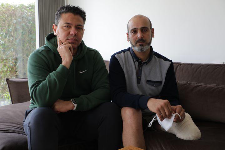 Manuel Martinez et Abdallah Lahlali, rescapés des attentats de Bruxelles, le 18 mars 2021 en banlieue de Bruxelles (Belgique). (VALENTINE PASQUESOONE / FRANCEINFO)