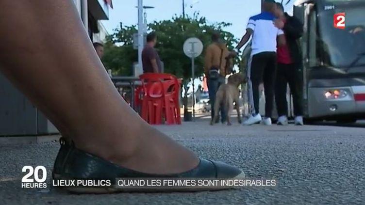 """Capture d'écran du reportage """"Quand les femmes deviennent indésirables dans les lieux publics"""", diffusé jeudi 7 décembre 2016, sur France 2. (FRANCE 2)"""