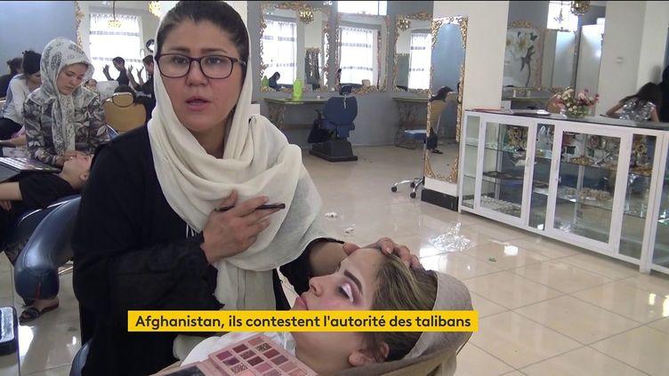 Afghanistan : le combat de femmes pour défendre leurs droits contre les talibans (FRANCEINFO)