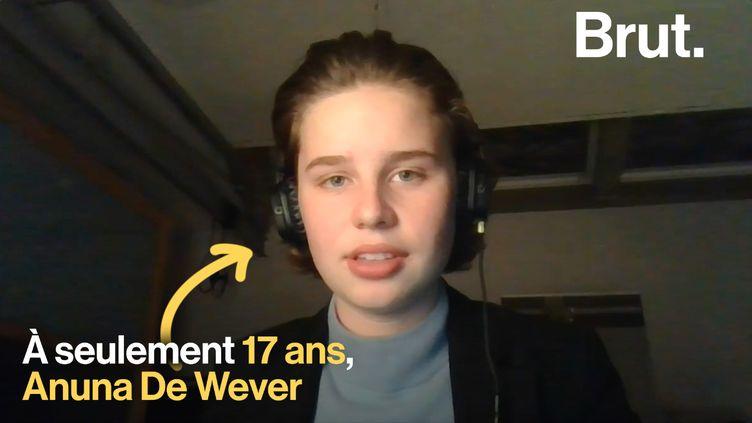 Ce jeudi 7 février, les jeunes Belges ont manifesté pour la cinquième fois contre le réchauffement climatique. Anuna de Wever a été à l'initiative de cette protestation. (BRUT)