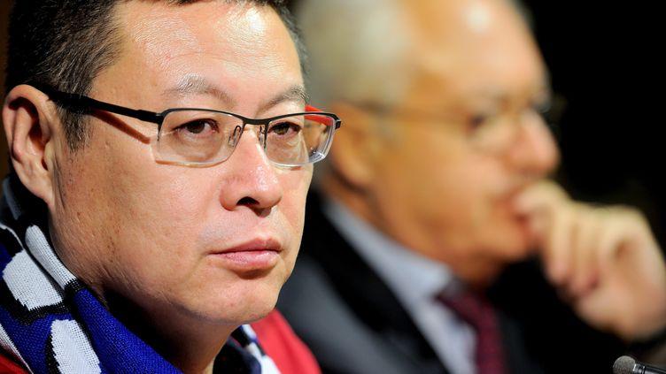 L'homme d'affaires chinois James Zhou, désormais président de l'AJ Auxerre en plus d'en être l'actionnaire majoritaire, lors de sa présentationdans l'Yonne le 29 octobre 2016. (MAXPPP)