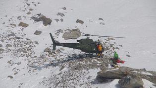 Le sauvetage de l'alpiniste française Elisabeth Revol, le 28 janvier 2018,sur le Nanga Parbat dans la partie pakistanaise de l'Himalaya. (SAYED FAKHAR ABBAS / AFP)