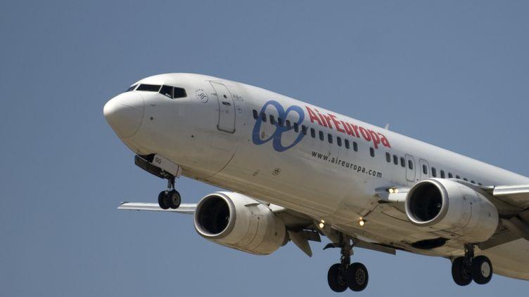 Un avion d'Air Europa décolel de l'aéroport de Malaga (Espagne), le 22 septembre 2011. (JORGE GUERRERO / AFP)