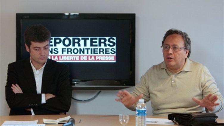 Une conférence de presse de RSF avec le journaliste tunisien Taoufik Ben Brik (AFP)