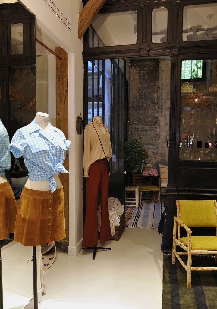 La jupe en daim, pièce préférée d'Inès de la Fressange  (Frederique Maitre)