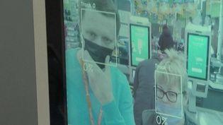 Russie : dans les supermarchés, le paiement par reconnaissance faciale divise (FRANCE 2)