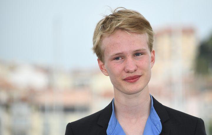 """L'acteur belge de 16 ans Victor Polster a été récompensé du Prix d'interprétation """"Un Certain regard"""" pour son rôle dans """"Girl"""" de Lukas Dhont.  (Anne-Christine POUJOULAT / AFP)"""