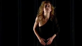 Sandrine Bonnaire sur la scène de la Comédie de Valence  (France 3 / Culturebox)
