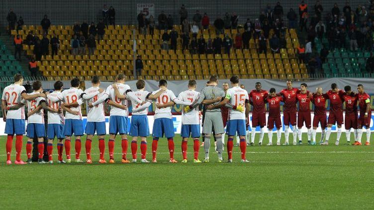Minute de silence avant le match opposant la Russie au Portugal, le 14 novembre 2015 (VITALIY TIMKIV / RIA NOVOSTI)