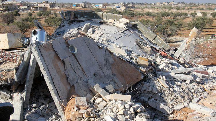 Un hôpital de la région d'Idlib détruit par une frappe aérienne. (OMAR HAJ KADOUR / MAXPPP)