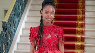 La jeune étudiante sénégalaise Diary Sow lors d'une visite à Dakar, le 7 août 2020. (AFP / SENEGALESE PRESIDENCY)