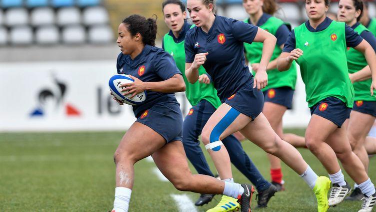 Entrainement de l'équipe de France de rugby féminin à Villeneuve-d'Ascq (Nord), le 22 février 2019. (MAXPPP)