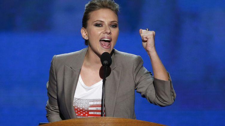 Scarlett Johansson a donné un discours de soutien à Barack Obama lors de la convention démocrate de Charlotte (Caroline du Nord), jeudi 6 septembre 2012. (JASON REED / REUTERS)