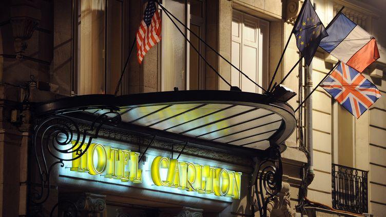 L'entrée de l'hôtel Carlton de Lille (Nord), le 17 octobre 2011. (PHILIPPE HUGUEN / AFP)