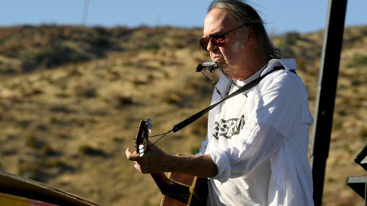Le musicien Neil Young au Harvest Moon, le 14 septembre 2019 à Lake Hughes en Californie (KEVIN WINTER / GETTY IMAGES NORTH AMERICA)
