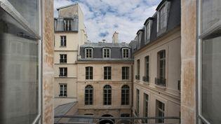 L'hôtel Dodun reconverti en logements sociaux, le 30 avril 2015, à Paris. (MANUEL COHEN / AFP)