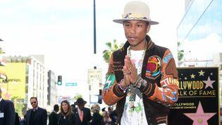 "Pharrell Williams a inauguré son étoile jeudi sur le ""Hollywood Walk of Fame""  (FREDERIC J. BROWN / AFP)"