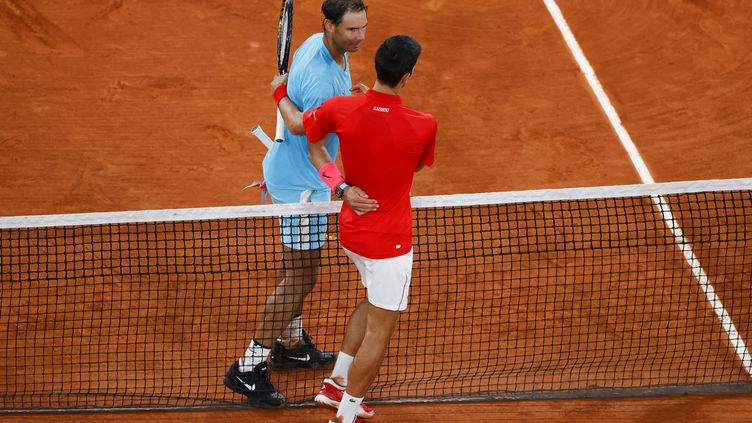 La dernière confrontation entre Novak Djokovic et Rafael Nadal remonte àoctobre 2020, lors de la finale de Roland Garros. (THOMAS SAMSON / AFP)